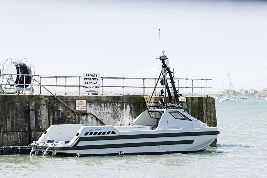 Royal-Navy-autonomous-mine-sweeper