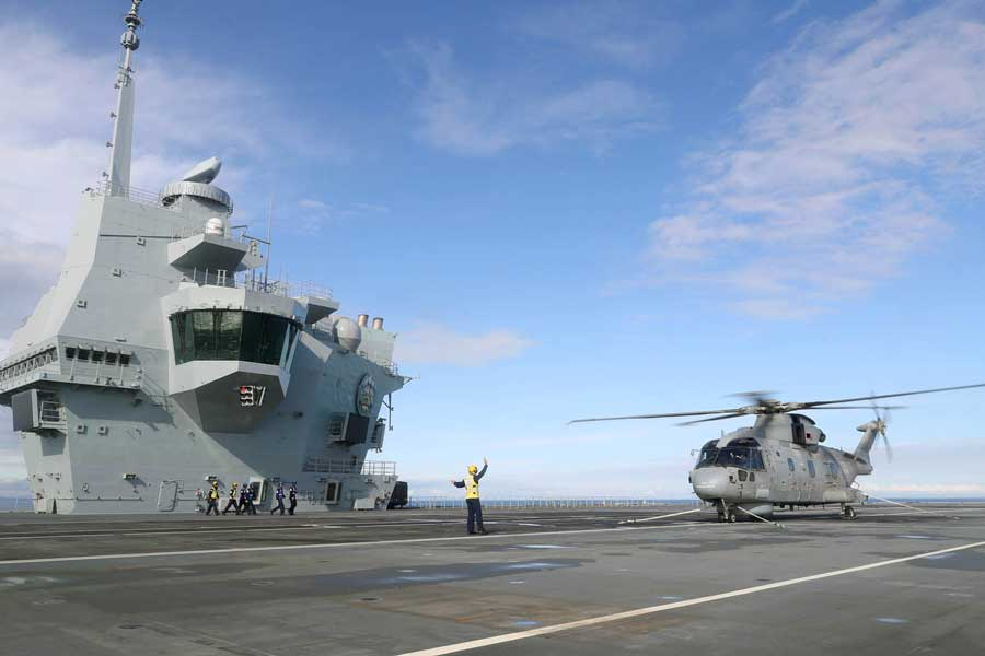 Prince-of-Wales-aircraft-carrier-Royal-Navy-Rosyth