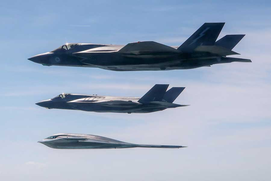 F-35-B-B2-stealth-bombers-integration-training