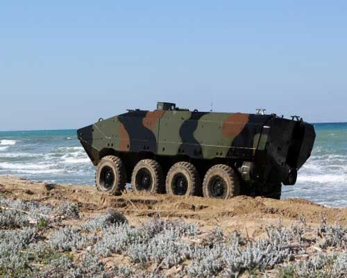 amphibious-combat-vehicle-US-Marines-Iveco