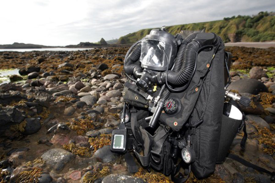 JFD-CDLSE-Mk2-rebreather-mine-clearance-divers