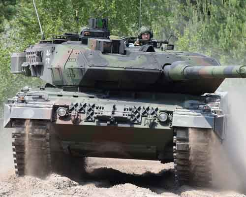 Leopard 2-MBT-Trophy-APS